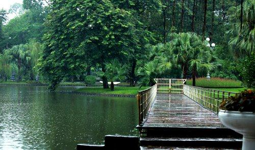 Vườn bách thảo Hà Nội