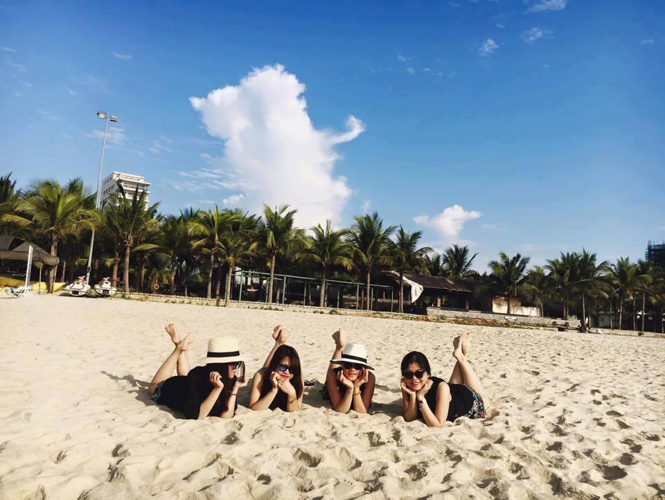 Tắm biển Mỹ Khê Đà Nẵng