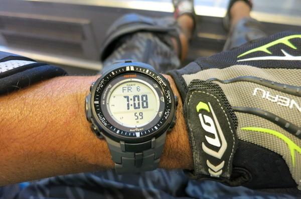 Xế nên đeo đồng hồ để chủ động giờ giấc
