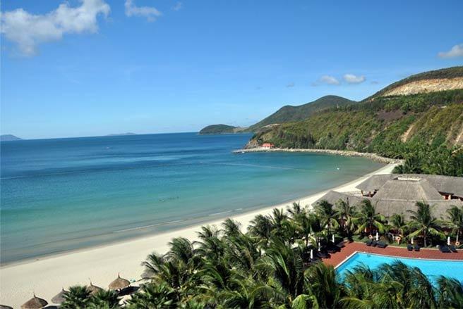 Toàn cảnh đảo Hòn Tre Nha Trang