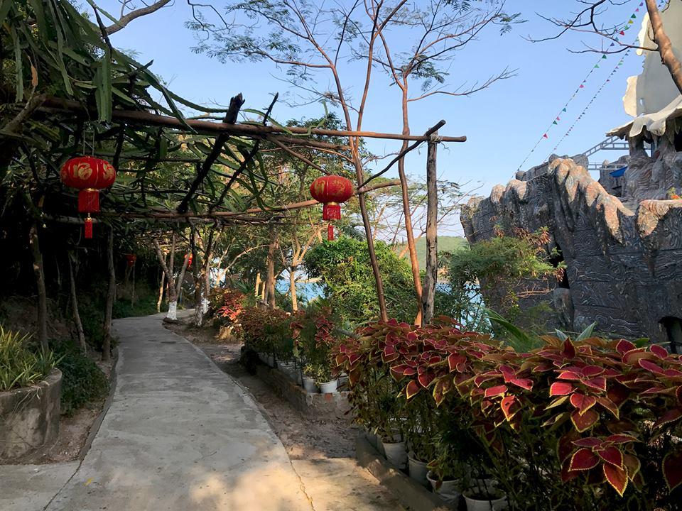 Lối vào thủy cung Trí Nguyên trên đảo Hòn Miễu, Nha Trang