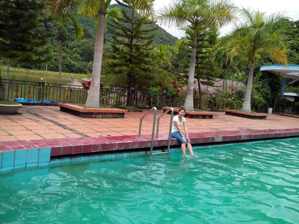 Suối khoáng nóng Uva