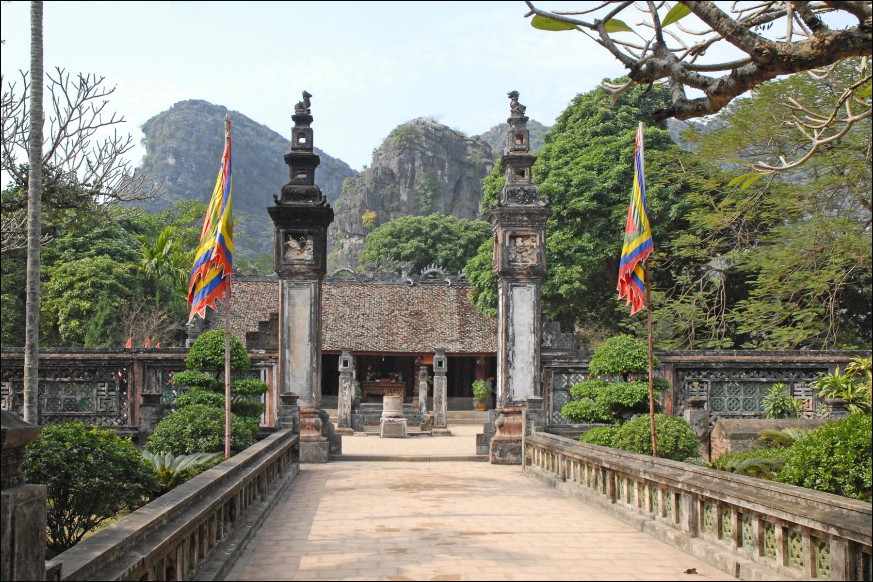 Đền Thung Lá Ninh Bình