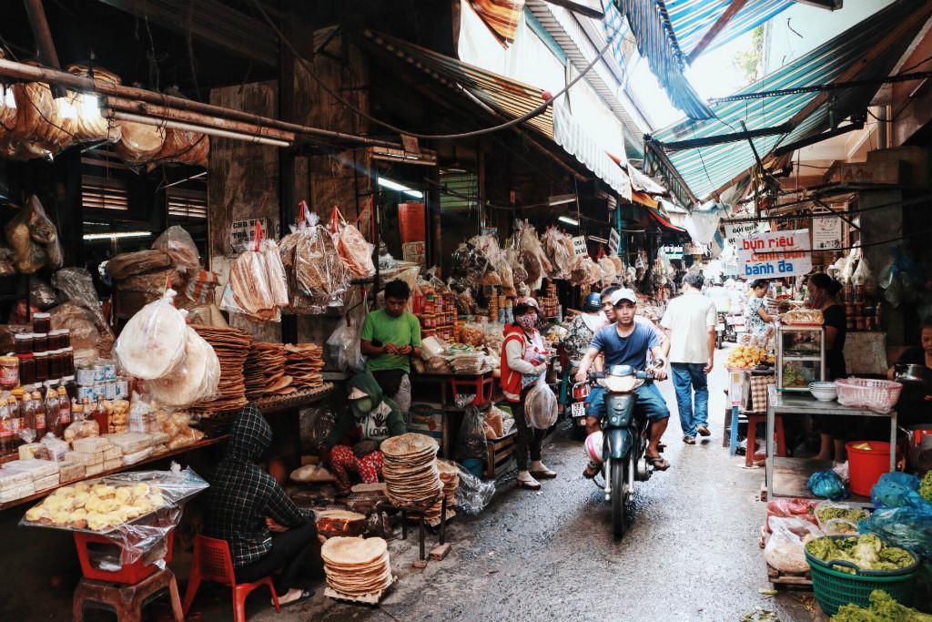 Chợ Bà Hoa Sài Gòn