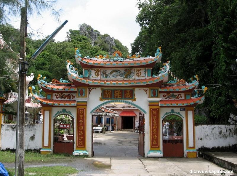 Chùa Hang Phú Quốc