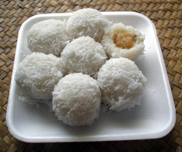 du lịch thái lan nên ăn gì Khanom tom